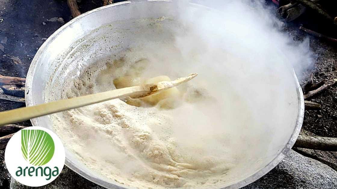 Cairan nira untuk dijadikan gula semut