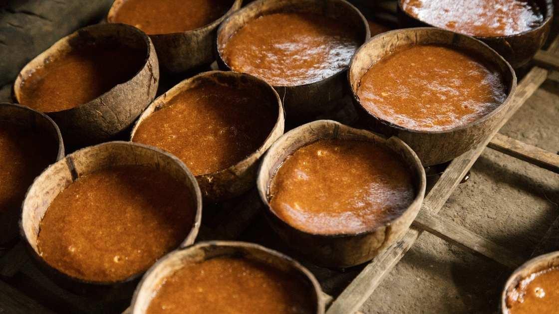 Foto gula gula merah cetak atau gula batol
